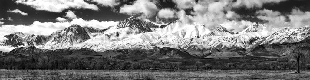 Sierras_BW_Panorama1_V2_4k